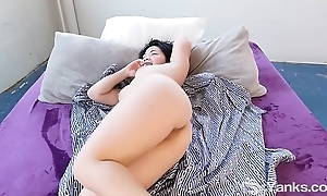 Yanks Asian Arrivisme Gold Learns to Love Her Body More
