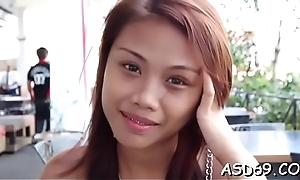 Thai slut cannot detain engulfing this hard dick of her boyfriend