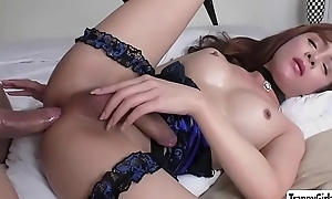 Petite TS Plam gets her ass destroyed - trannygirlz.com