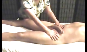 Hidden Cam Happy Achieving Massage http://tiny.cc/WetCams