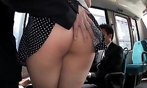 JAV - Rub the aggravation Lovely White Big Saegusa Chitose Breasts on the bus/MAGURO-064