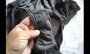 Showing Marya´_s opprobrious knickers 005