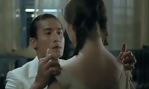 A Chinese man fuck my virgin pusssy coupled with creampie