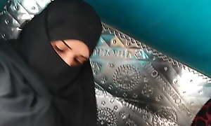 Sexy Aunti almost hijab
