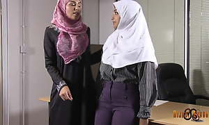 Slutty Desi hijabis having lesbian diversion