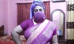 Desi aunty sexual connection talk, Didi trains be fitting of sexy fucking