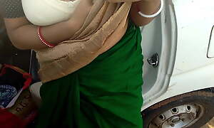 Bhabhi with a big ass fucked outside car in forest