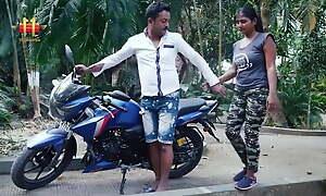 Desi Bhabhi Has Outdoor Hardcore sex With Lover