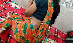 Desi bhabhi bad talking to devar telling him to fuck her pussy