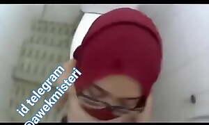 (Malay Viral) Hijab Merah Fuck Dan pancut Dimuka